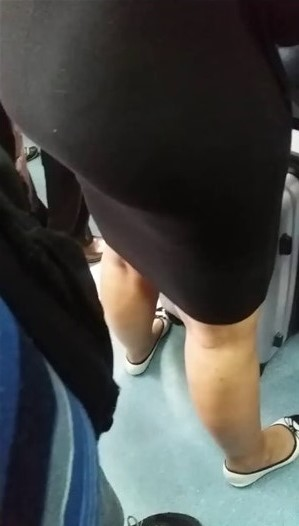 milf_touch_in_train